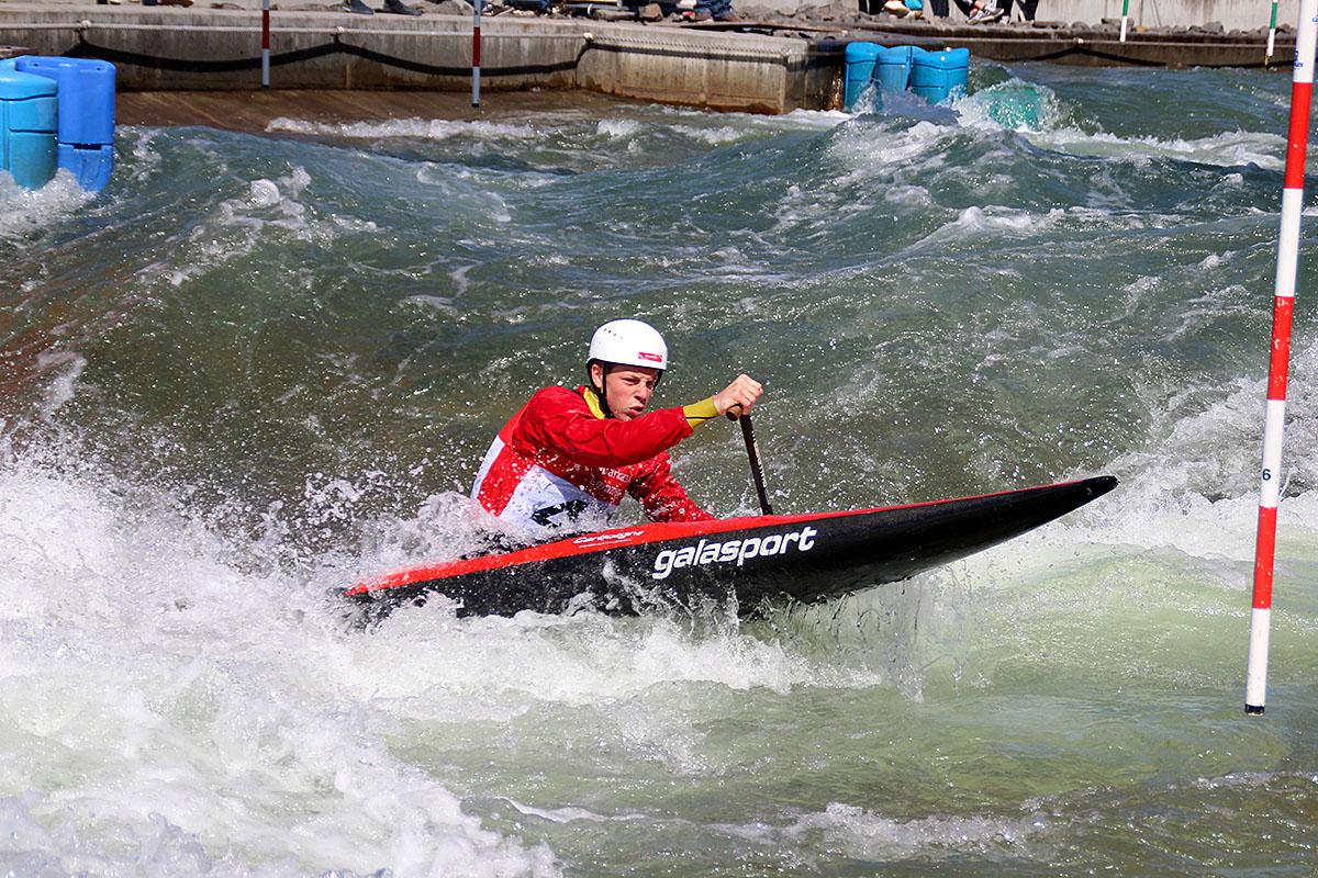 Leo Braune im Wildwasser von Markkleeberg