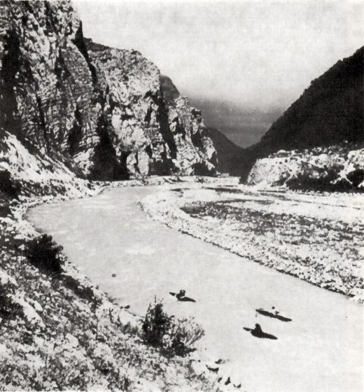 Hallesche Kanuten bei der Erstbefahrung des Ardon / Nord-Ost-Kaukasus (1964)
