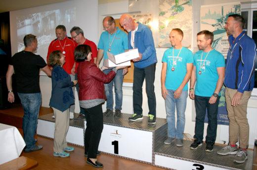 Martin Trummer, Dirk MArker, Volker Busch paddeln zu Silber bei den German Master 2018